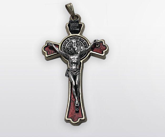 Pendentif croix St Benoit rouge 5cm