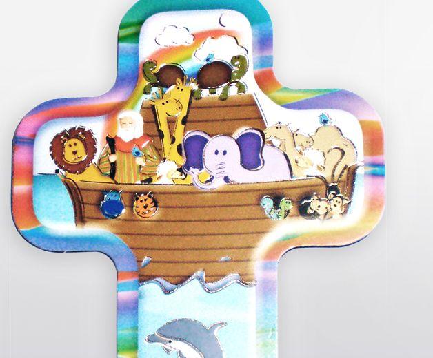 Croix / Crucifix avec les animaux sur l'Arche de Noé