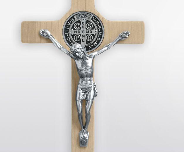 Croix de Saint Benoit en bois 12X6cm