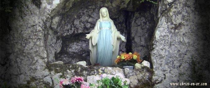 A quoi ressemblait la Vierge de Lourdes ? - avecanniefrançoise
